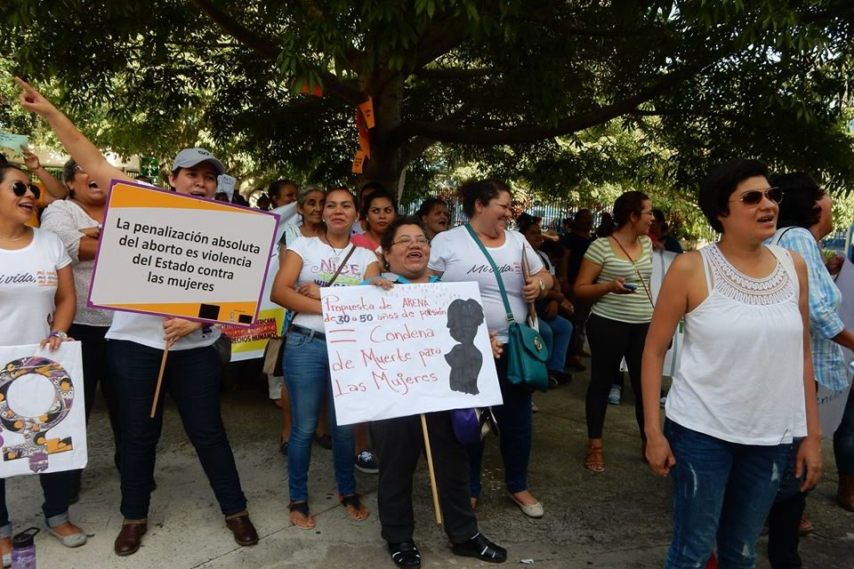 El Salvador Bill Would Put Those Found Guilty of Abortion Behind Bars for 30 to 50 Years